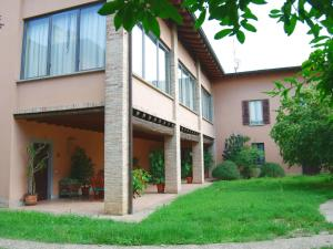 Spacious Villa in Capriolo near Lake - AbcAlberghi.com