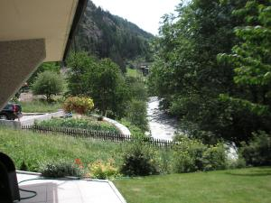 Spacious Apartment in St Niklaus near Mattertal Ski Area, Apartmanok  Sankt Niklaus - big - 3