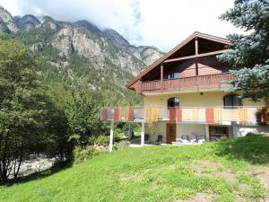 Spacious Apartment in St Niklaus near Mattertal Ski Area, Apartmanok  Sankt Niklaus - big - 6
