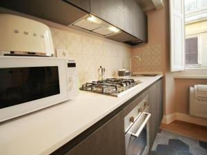 Colosseo Topnotch Apartment, Apartments  Rome - big - 49