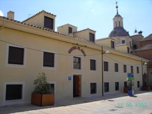 Hostal El Arco, Pensionen - Mejorada del Campo