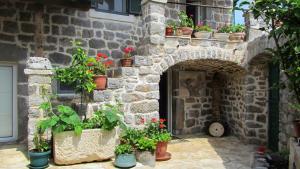 Holliday Home Anika, Dovolenkové domy  Tivat - big - 1