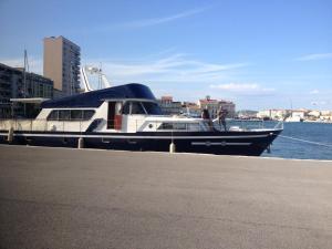 Location gîte, chambres d'hotes Yacht bateau moteur Benetti 19m dans le département Hérault 34
