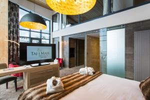 Hotel Taj-I Mah - Arc 2000