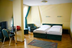 Hotel Bara Budapest - Budapest