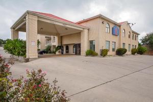 Motel 6 San Antonio - Fiesta Trails, Мотели  Сан-Антонио - big - 28