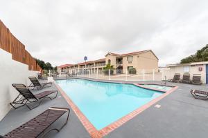 Motel 6 San Antonio - Fiesta Trails, Мотели  Сан-Антонио - big - 24
