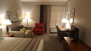 Country Inn & Suites by Radisson, Bryant (Little Rock), AR, Szállodák  Bryant - big - 52