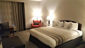 Country Inn & Suites by Radisson, Bryant (Little Rock), AR, Szállodák  Bryant - big - 41