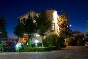 Hotel Baron - Sauku