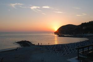 B&B La Perla Blu, Bed and Breakfasts  Levanto - big - 22
