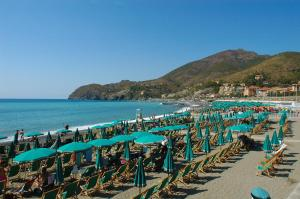 B&B La Perla Blu, Bed and Breakfasts  Levanto - big - 21