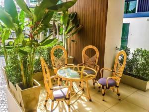Siam Oriental Tropical Garden Apartments, Apartmány  Phatthajá - big - 39