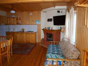 8-osobowy drewniany domek Andrzej