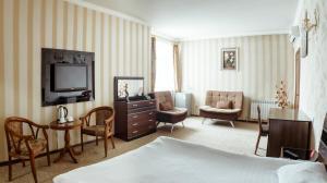 Albatros Hotel Bishkek