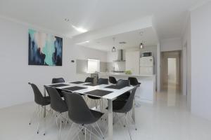 Arcacia Place - Perth