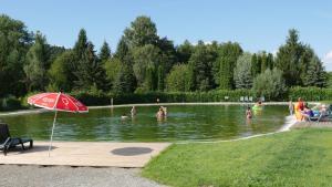 camping Au pays de Hanau, Kempy  Dossenheim-sur-Zinsel - big - 22