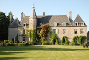 Location gîte, chambres d'hotes Château de Saint Paterne dans le département Sarthe 72