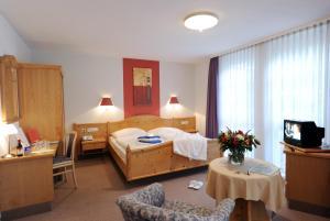 Landhotel Gasthof Krone - Cröffelbach