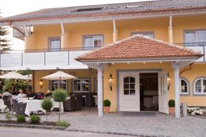 Hotel Restaurant Hirsch - Gohren