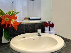 Margo Utomo Hill View Resort, Комплексы для отдыха с коттеджами/бунгало  Kalibaru - big - 56