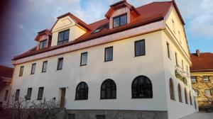 Pension-Metzgerei Hofer - Buchbach