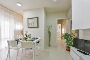 Art Apartment Prato One Bedroom