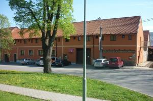 Penzion V Maštali - Hotel - Kněževes