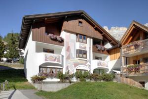 Residence Dolomieu - AbcAlberghi.com