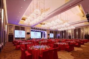 Sovereign Hotel Zhanjiang, Resort  Zhanjiang - big - 16