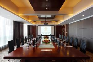 Sovereign Hotel Zhanjiang, Resort  Zhanjiang - big - 17
