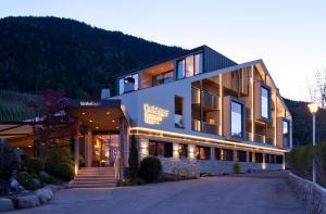 Hotel Restaurant Kirchsteiger - Tesimo