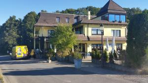 Landhotel Zum Doppeldecker - Katzwinkel