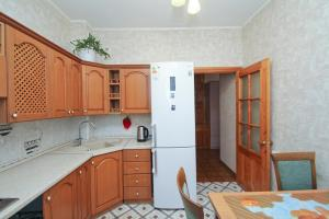 Apartments on Engelsa - Surgut