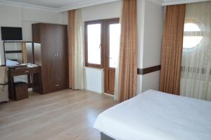Family Suite with Balcony Amasra Ceylin Bed & Breakfast