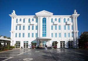 Britania hotel, Тирана