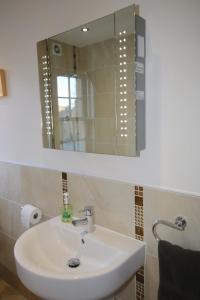 Potterrow - Edinburgh City Apartment, Apartmanok  Edinburgh - big - 19