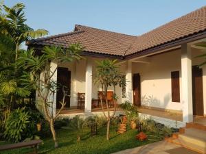 Villa Thakhek, Penziony  Thakhek - big - 200