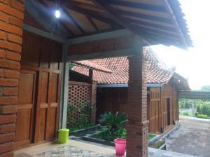 Ayem-Ayem Holiday Home - Yogyakarta