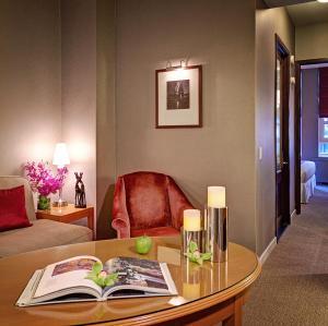 Hotel Giraffe (1 of 44)