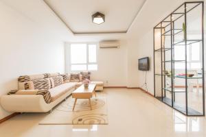 Le Soleil Central River View 3BR Apartment