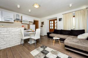 Apartment Mistral