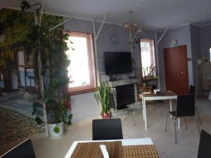 Serebryaniy Klyuch, Guest houses  Goryachiy Klyuch - big - 70