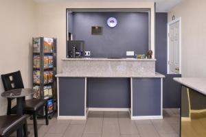 Americas Best Value Inn Bishop, Motel  Bishop - big - 1
