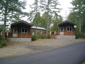 Pacific City Camping Resort Cabin 5, Villaggi turistici  Cloverdale - big - 1
