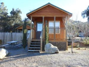 Oakzanita Springs Camping Resort Cabin 2 - Descanso
