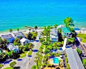 Gulf Holiday by Beachside Management, Apartments  Siesta Key - big - 1
