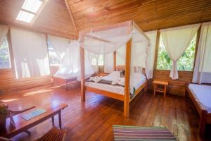 Quadruple Room with Private Bathroom Jaguar Creek