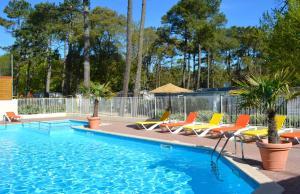 Location gîte, chambres d'hotes Camping Le Clos Des Pins dans le département Vendée 85