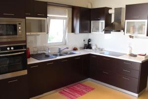 Rafina Luxury Apartments, Ferienwohnungen  Rafina - big - 16